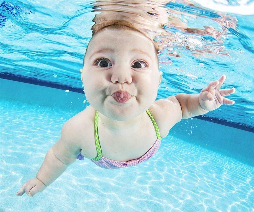 Yüzen bebek resimleri