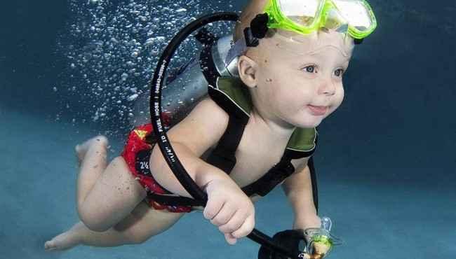 İlk Defe Suya Giren Bebeklerin Muhteşem Tatlı Resimleri