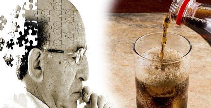 Şekerli içeceklerin Alzheimer hastalığı ile bağlantısı kuruldu