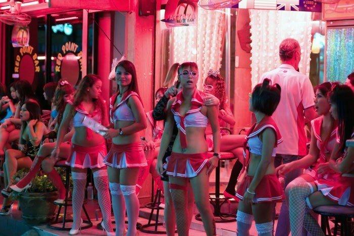 Bar Kızlarının Mekanı: Beach Rood