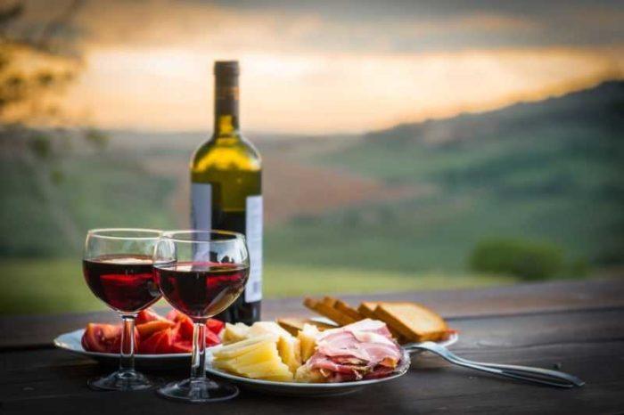 şarap mantarı neden koklanır