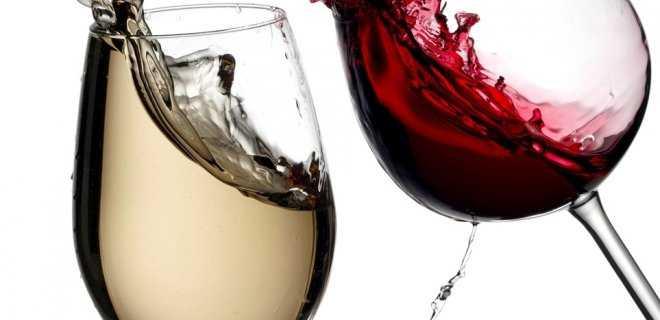 Kırmızı Şarap Oda Sıcaklığında , Beyaz Şarap Soğuk İçilir