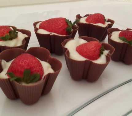 Çikolata Çanağında Cream Ole Tarifi'nin Yapılışı