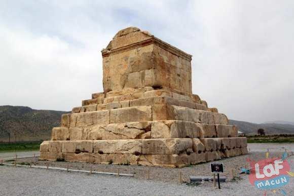 Kiros-Mezari-iran