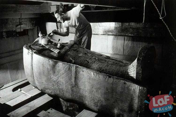 Tutankamon'un Lanetini Gösteren 10 Yaşanmış Olay