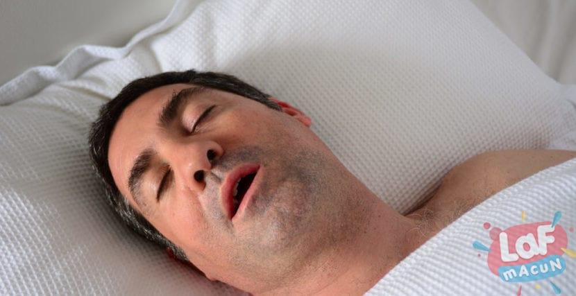 Çocuğunuz Ağzı Açık Mı Uyuyor?